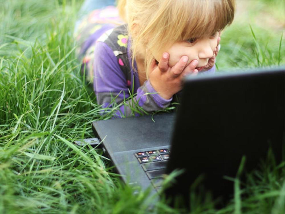Πώς μπορούμε να βοηθήσουμε τους μικρούς μαθητές να κάνουν καλύτερη και ασφαλέστερη χρήση της τεχνολογίας