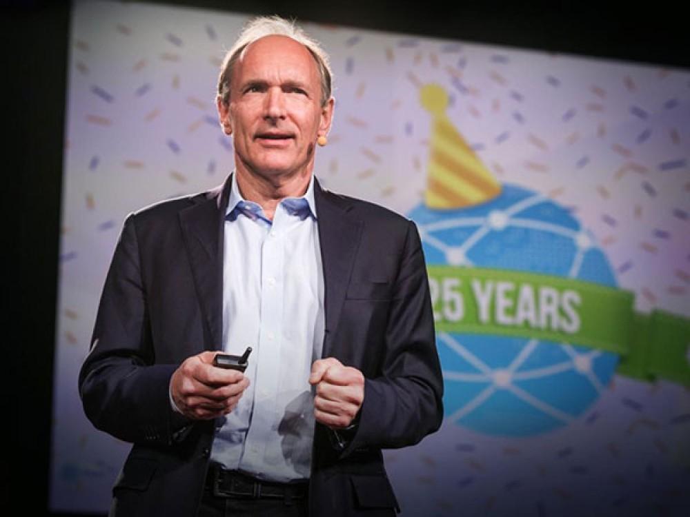 Sir Tim Berners-Lee: Ο πατέρας του παγκόσμιου ιστού θέλει να διορθώσει τα κακώς κείμενα με νέο project