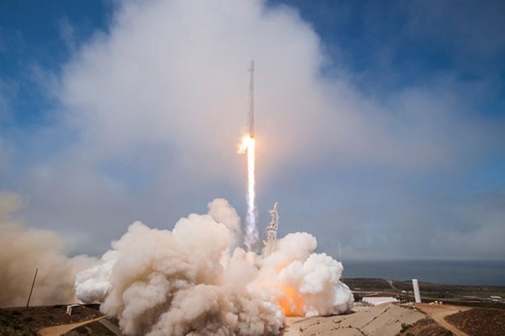 SpaceX: Οι εκτοξεύσεις των πυραύλων Falcon 9 δημιουργούν τρύπες στην ιονόσφαιρα επηρεάζοντας το GPS