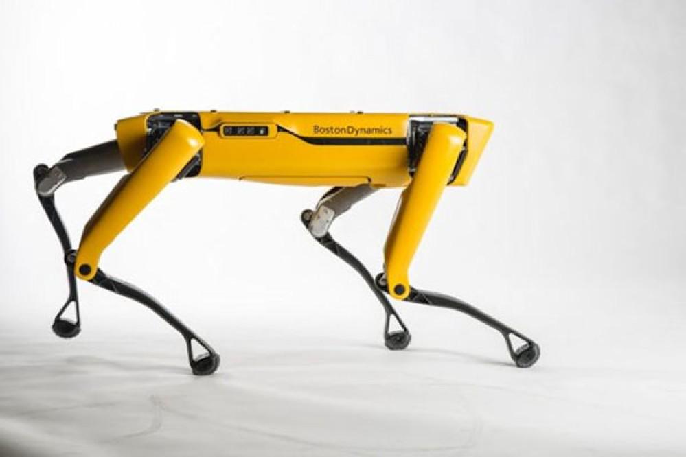 SpotMini: Το ρομπότ - σκύλος της Boston Dynamics θα αρχίσει να πωλείται από το 2019 [Videos]