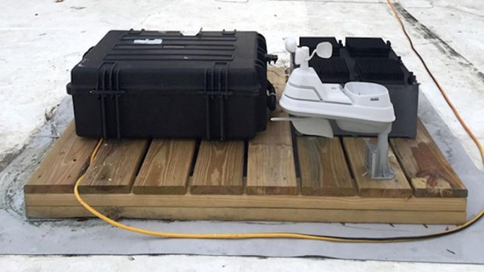 Ερευνητές του MIT κατασκεύασαν συσκευή που παράγει ηλεκτρική ενέργεια από τον απλό αέρα