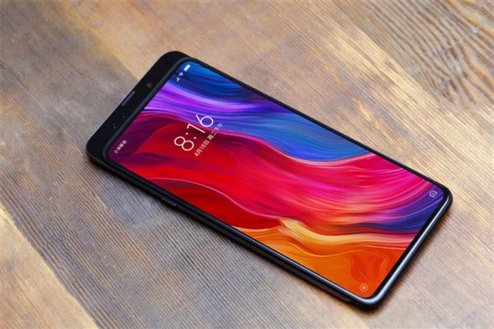 Xiaomi Mi Mix 3: Μέσα στον Οκτώβριο η παρουσίαση του, σύμφωνα με τον πρόεδρο της εταιρείας