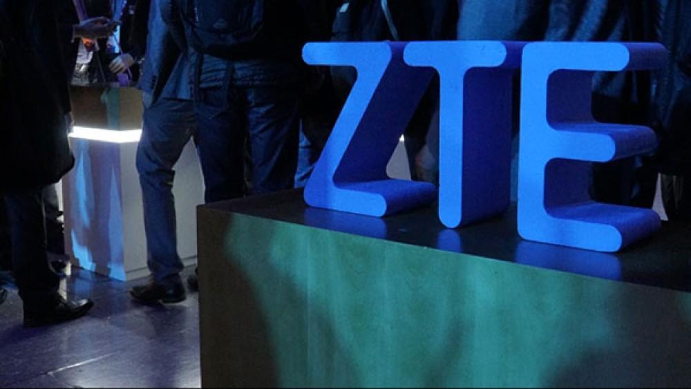 Ο Πρόεδρος Donald Trump ανέλπιστα ανακοίνωσε ότι θα βοηθήσει την ZTE για την άρση του εμπάργκο