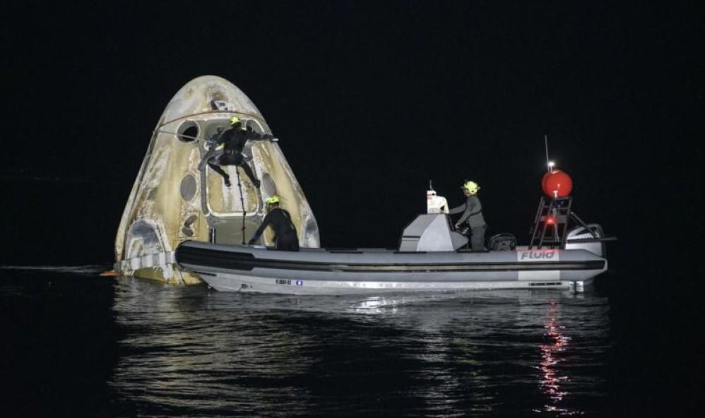 Crew-1: Επέστρεψαν με ασφάλεια οι πρώτοι 4 αστροναύτες με το σκάφος της SpaceX