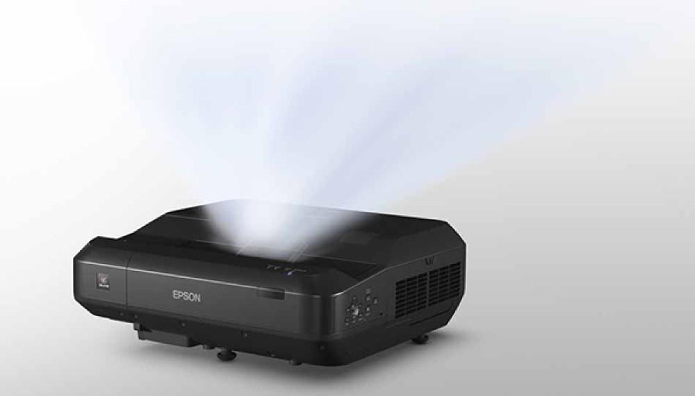 Epson EH-LS100: Ο πρώτος βιντεοπροβολέας laser εξαιρετικά κοντινής απόστασης για το σπίτι [IFA 2017]