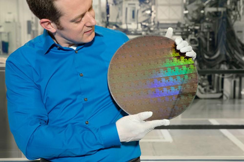 Η IBM χώρεσε 30 δισ. transistors σε chip με μέγεθος όσο ένα νύχι και ανοίγει τον δρόμο για επεξεργαστές στα 5nm