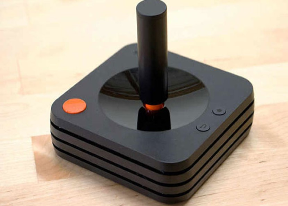 Ataribox Joystick: Αυτό είναι το νέο τηλεχειριστήριο της retro παιχνιδοκονσόλας