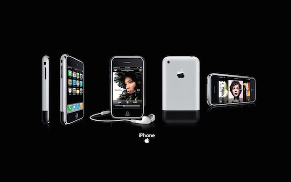 Σαν σήμερα, πριν 8 χρόνια, παρουσιάστηκε το 1ο iPhone [Keynote Video]