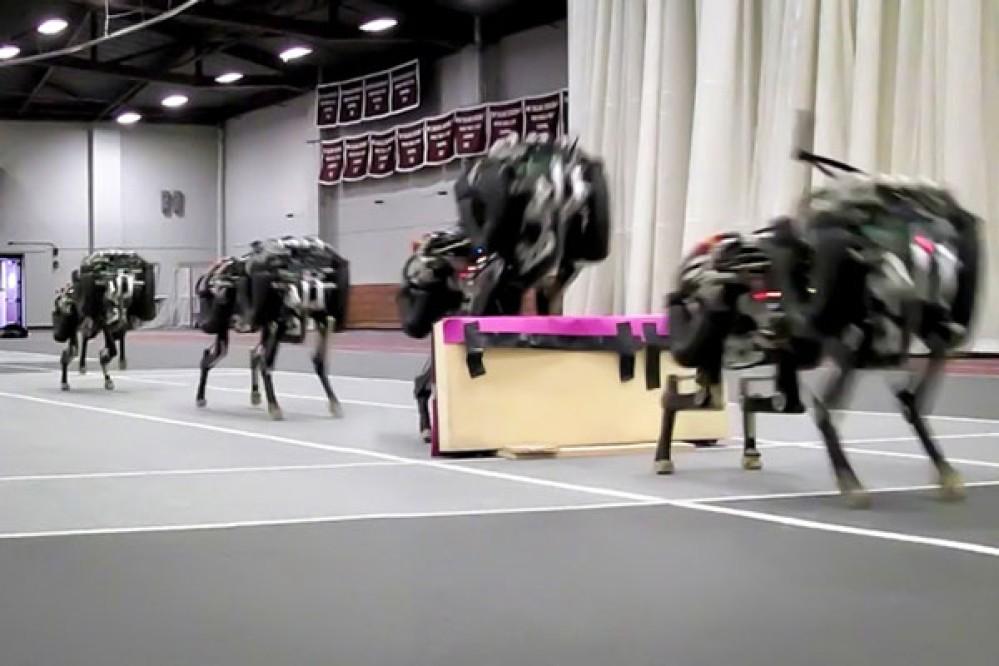 Ρομπότ-τσιτάχ του MIT είναι το πρώτο στον κόσμο που αναγνωρίζει και πηδά εμπόδια ενώ τρέχει [Video]