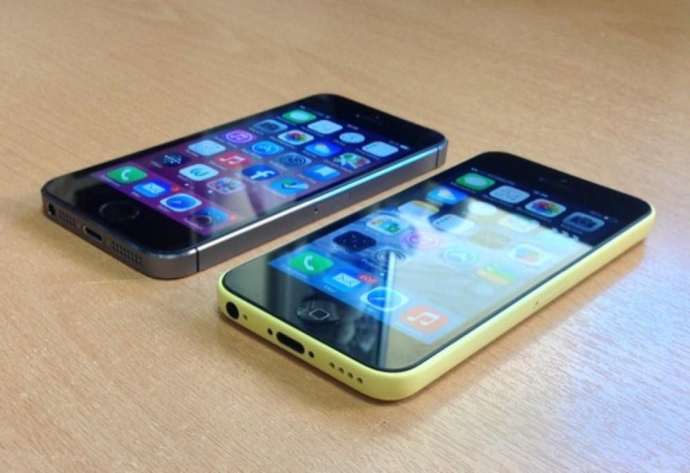 iPhone 5C, στις τρεις πρώτες θέσεις σε πωλήσεις μαζί με iPhone 5S και Samsung Galaxy S4