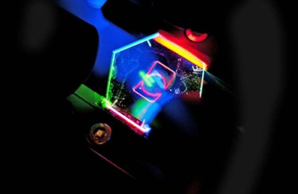 Η HP παρουσιάζει ολογραφική 3D οθόνη για μελλοντικές φορητές συσκευές [Video]