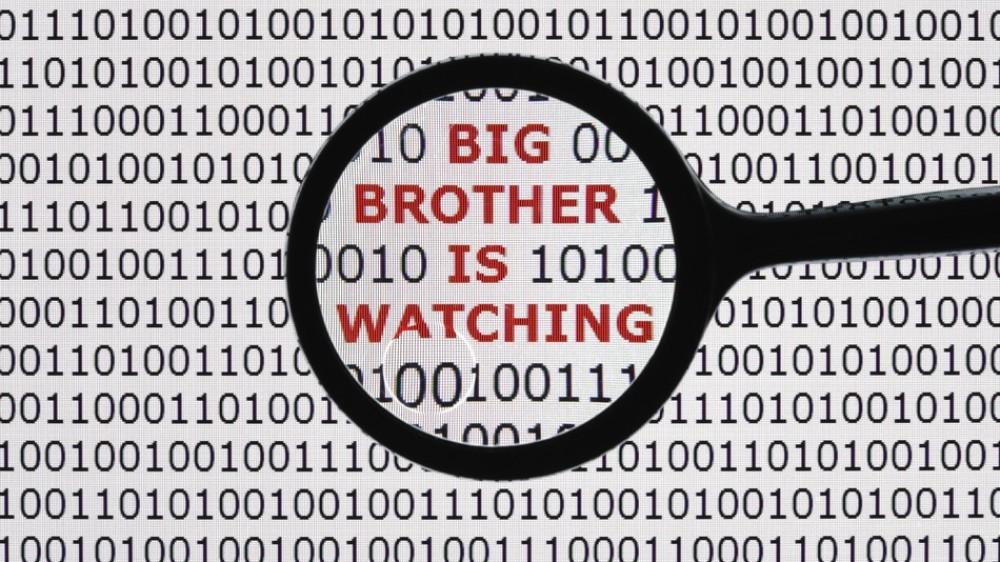 Πρωτοφανές σκάνδαλο στις ΗΠΑ: Facebook, Google, Microsoft κ.α. μοιράζονται τα δεδομένα των χρηστών τους με NSA και FBI!
