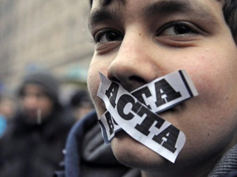 Η Ελλάδα υπογράφει τη συμφωνία κατά της πειρατείας ACTA!