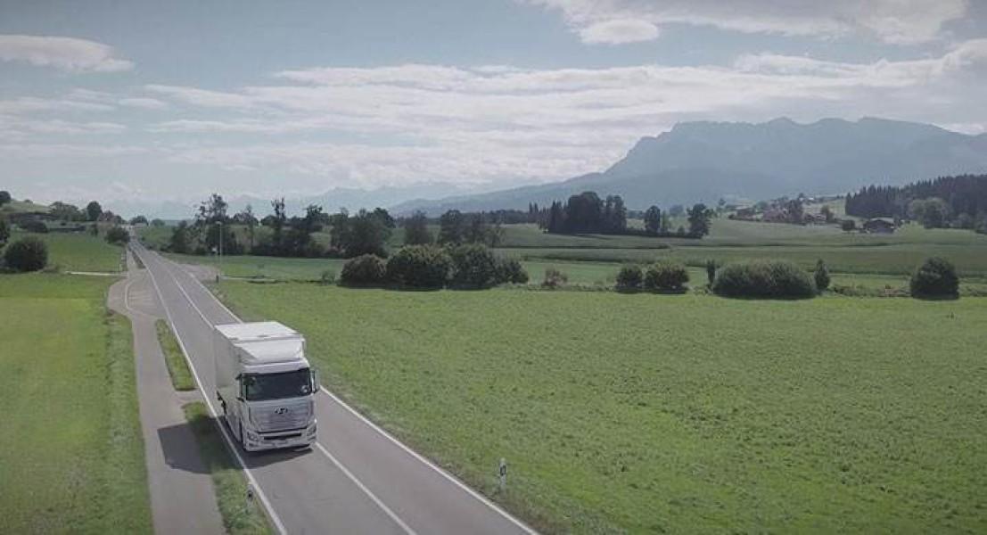 Hyundai XCIENT: Το υδρογονοκίνητο φορτηγό της εταιρείας έφτασε στην Ελβετία
